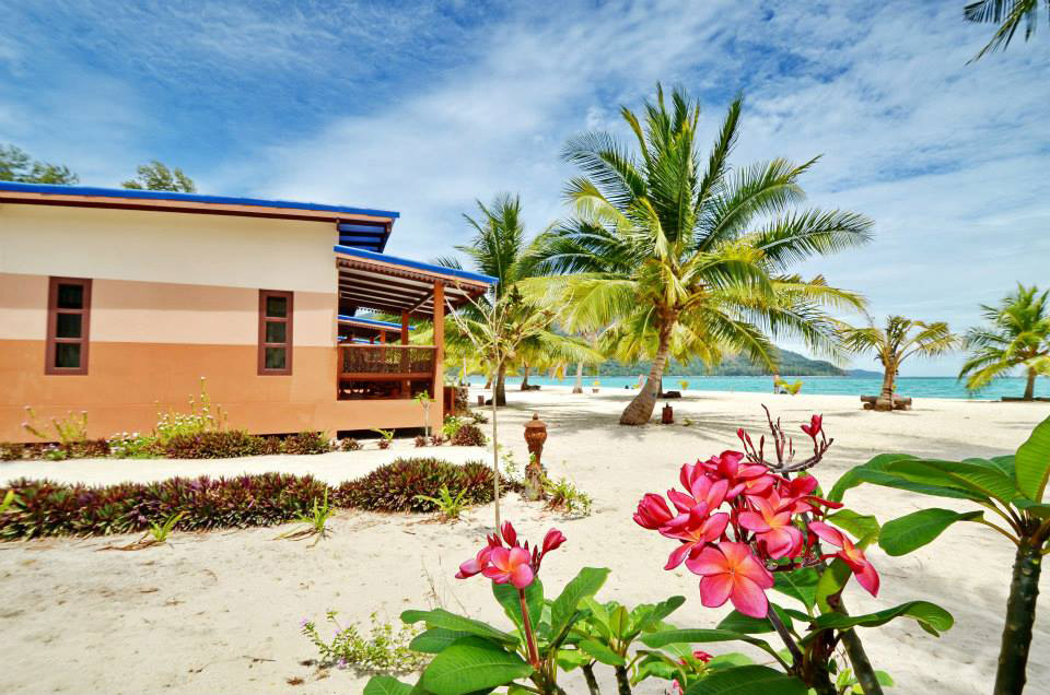 beachfront-villa-01