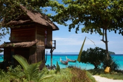 koh-lipe-resort-bungalow-castaway-beach-breezy-10-1140x760