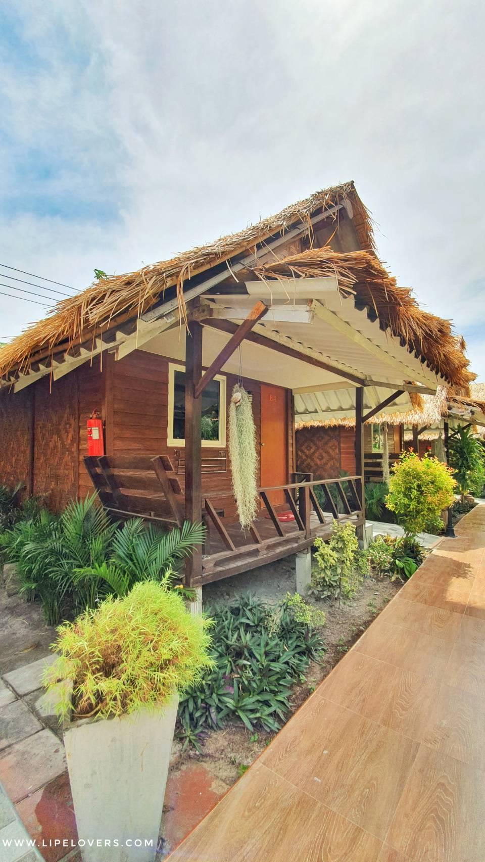 Charming Lipe Villa (ชามมิง รีสอร์ท เกาะหลีเป๊ะ)